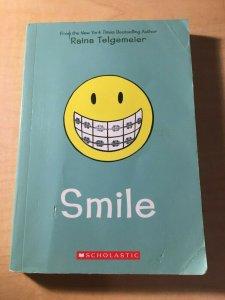Smile Scholastic Comic Book TPB Graphic Novel Raina Telgemeier Teenage MFT2