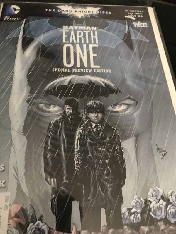 DC Batman Earth One Special Edition Mint