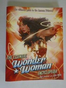 Essential Wonder Woman Encyclopedia SC 8.0 VF (2010 Del Rey Books)