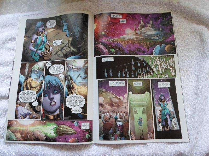 DC COMIC GREEN LANTERN NEW GUARDIANS # 1 ( 2014 )