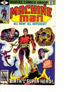Lot Of 2 Marvel Comic Book Machine Man #10 and Savage Namor #26 AH12