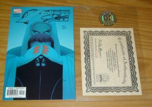 Astonishing X-Men #2 VF/NM signed by john cassaday w/COA (198/299) very rare