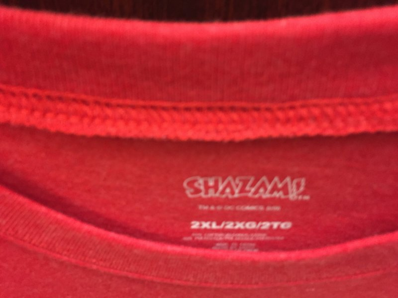 Shazam T-shirt 2xl