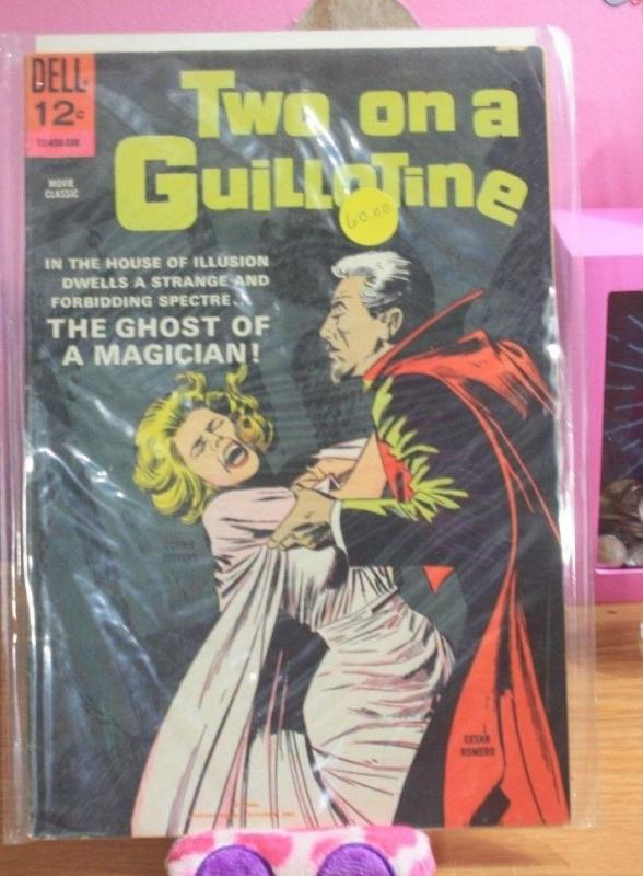 Two on a Guillotine #850 1965, Dell +connie stevens dean jones movie comic