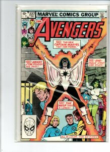 Avengers #227 - 2nd appearance Monica Rambeau - Captain Marvel - 1983 - VF/NM