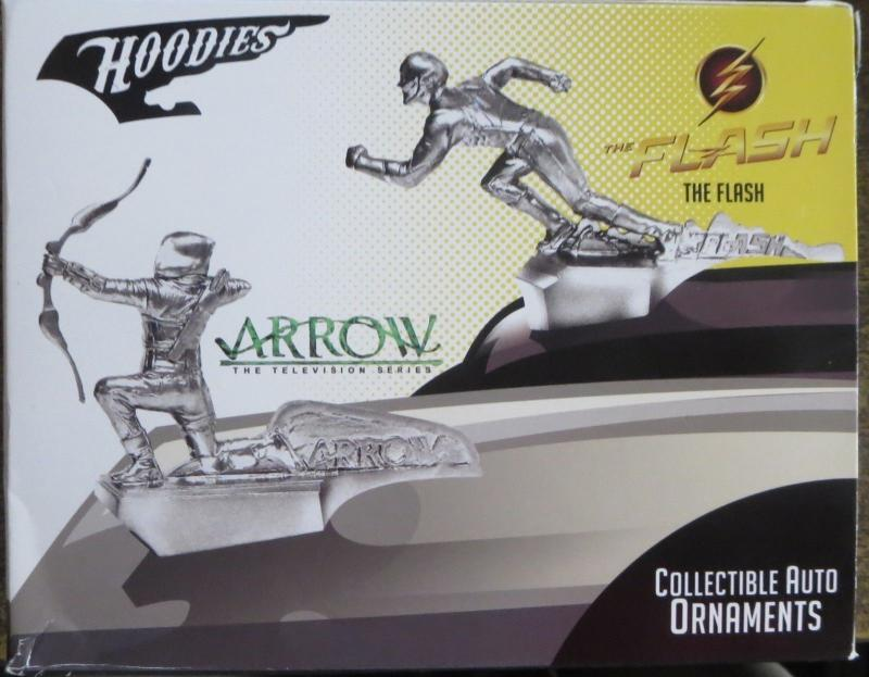 ARROW Collectible Hood Ornament! DC Comics LOOTCRATE exclusive! Green Arrow