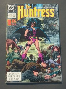 The Huntress #1 VF+ 8.5 White pages DC Comic Book Origin 1st App. New Huntress
