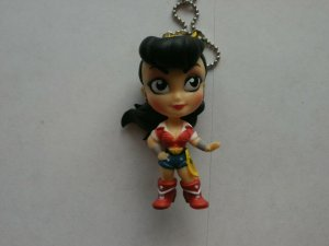 NEW Loose DC Bombshell Comic Character Keychain Hanger - WONDER WOMAN with Lasso