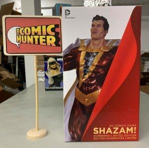 DC Comics Icons Shazam! Statue Limited Edition
