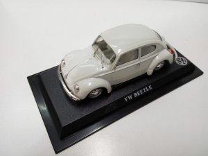 Coche Escala/Scale Diecast Car: VOLSKWAGEN BETTLE, Blanco (1964)