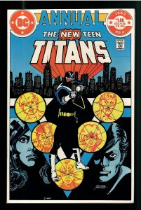 NEW TEEN TITANS ANNUAL 2; NM;KEY COLLECTOR!1st APPEARANCE VIGALANTE! FILM!