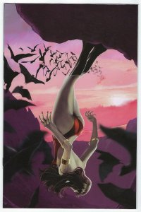 Vampirella # 18 Maine 1:11 Virgin Variant Cover NM Dynamite