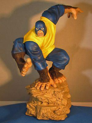 Marvel/Diamond selectThe Silver Age BEAST statue mint c...