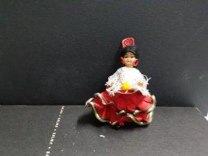 Figura: Muñeca vestida de gitana