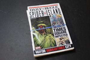 25x Bundle of DAILY BUGLE w/ AVENGERS SPIDER-MAN, FCBD,Promo, 2011 Spider Island