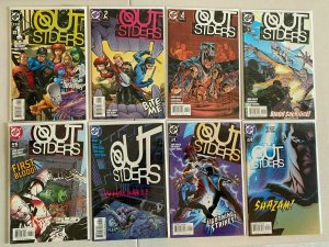 Outsiders lot from:#1-28 3rd Series 25 different books 8.0 VF (2003 to 2005)