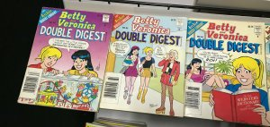 BETTY and VERONICA DOUBLE DIGEST MAGAZINE LOT of 6 Early-Mid 2000's FINE #15