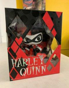 Funko DC Super Deluxe Vinyl Harley Quinn 10-Inch Vinyl Figure
