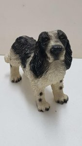 Figura de perro de resina: Springer Spaniel 7x8 cm