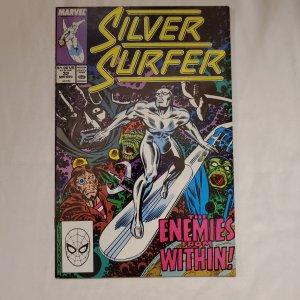 Silver Surfer 32 Near Mint- Art by Ron Frenz
