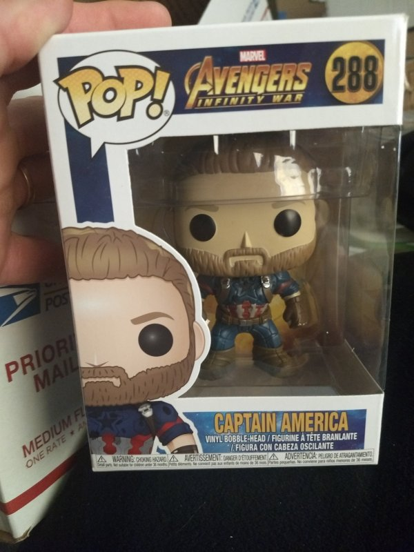 Captain America Funko Pop #288 New in box