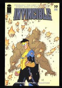 Invincible #19 VF+ 8.5 1st Battle Beast!