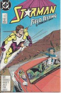 Starman #2 (Nov 1988) - from DC Comics - Starman vs. Bolt - Field Testing