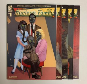 Nuclear Family #1-5 Set (Aftershock 2021) 1 2 3 4 5 Stephanie Phillips (9.0+)