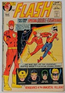 The Flash #213 (Mar 1972, DC) FN+ 6.5 Carmine Infantino & Dick Giordano cover