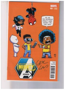 Mighty Avengers #1C    Signed in Gold BY Greg Land