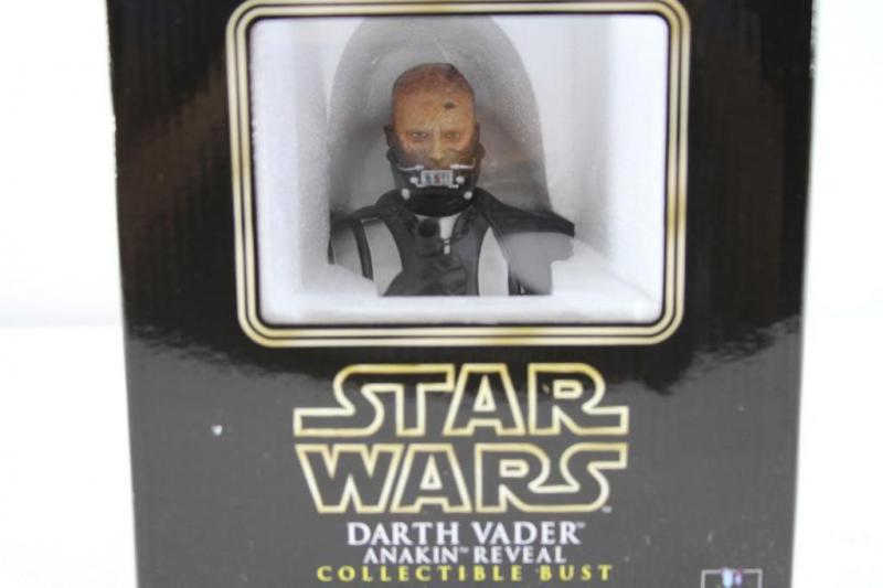 Star Wars: Darth Vader Anakin Reveal Collectible Bust