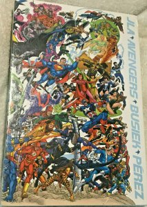 JLA/AVENGERS COLLECTORS EDITION HTF SEALED SLIPCASE 2004 DC/MARVEL COMICS