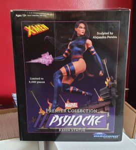 PSYLOCKE Marvel Premier Collection Diamond Select Resin Statue #734/3000 X-men