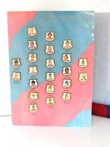 Carpeta juego PINS con ELS PINS DE LES CARICATURES del  F.C.Barcelona 94-95