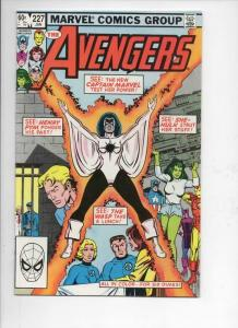 AVENGERS #227, NM-, Captain Marvel, Wasp, 1963 1983, more Marvel in store