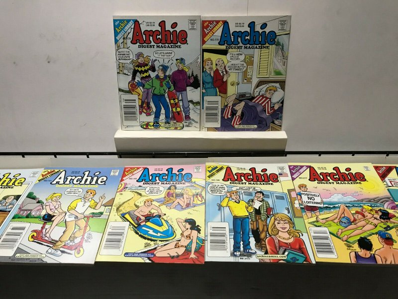 ARCHIE DIGEST MAGAZINE LOT of 8 Early-Mid 2000's FINE Condition! #2