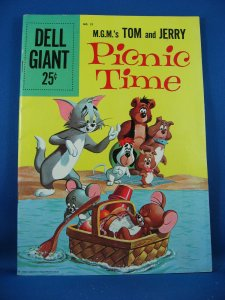 Dell Giant 21 TOM AND JERRY PICNIC TIME Fine 1959