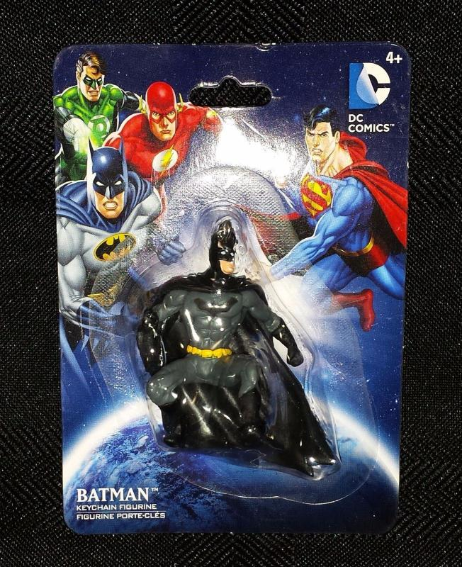 Batman Defensive Pose Keychain Figurine (DC Comics/Monogram) - New!