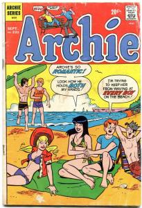 Archie #221 1972-Betty-Veronica-Jughead-swimsuit cover G