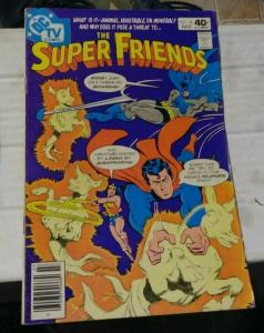 the SUPER FRIENDS # 34 1980 DC COMICS BATMAN SUPERMAN WONDERTWINS AQUAMAN