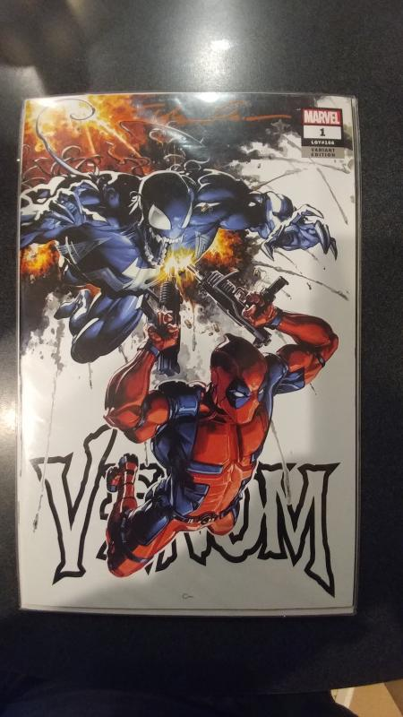 VENOM #1 FRANKIE'S COMIC'S VARIANT SIGNED BY CLAYTON CRAIN WITH COA.