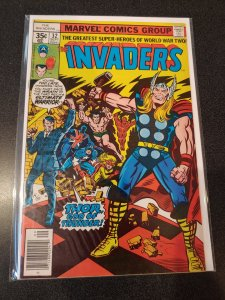 THE INVADERS #32 BRONZE AGE HIGH GRADE VF/NM