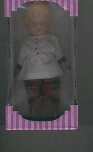 Muñeca coleccionable modelo 05