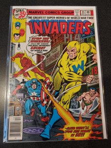 THE INVADERS #35 BRONZE AGE HIGH GRADE VF/NM