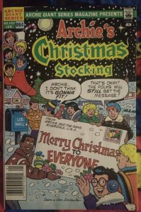 Archie's Christmas Stocking #592 FN+