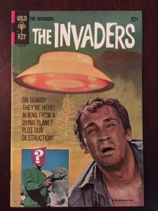 THE INVADERS #1! GOLD KEY GLOSSY VF OLD TV SHOW! BRIGHT COLORS