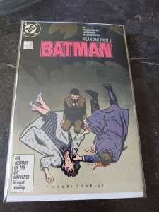 ​BATMAN #404 NM FRANK MILLER