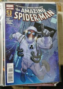 Amazing Spider-Man # 680  2012  marvel  spidey in space