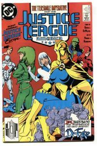 JUSTICE LEAGUE AMERICA #31-First ADAM HUGHES cover-DC comic book
