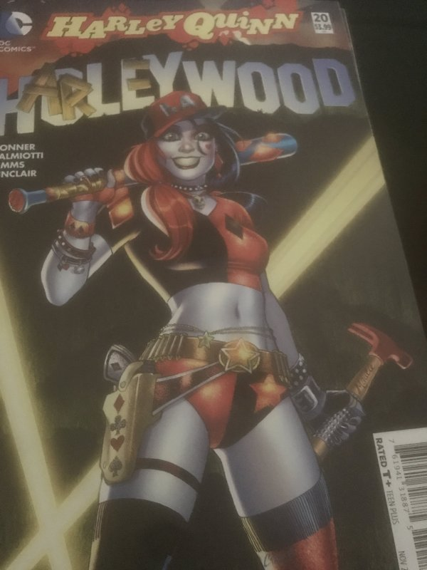 Harley Quinn #20 Harley Wood Mint